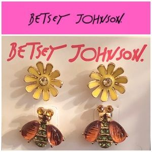 Betsey Johnson Bee 🐝 and Flower Stud Earrings